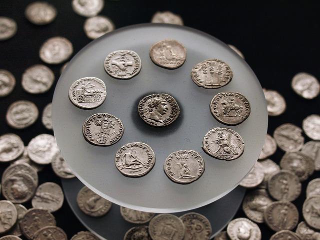 staré stříbrné mince