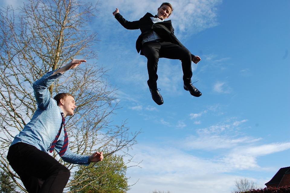 výskok na trampolíně
